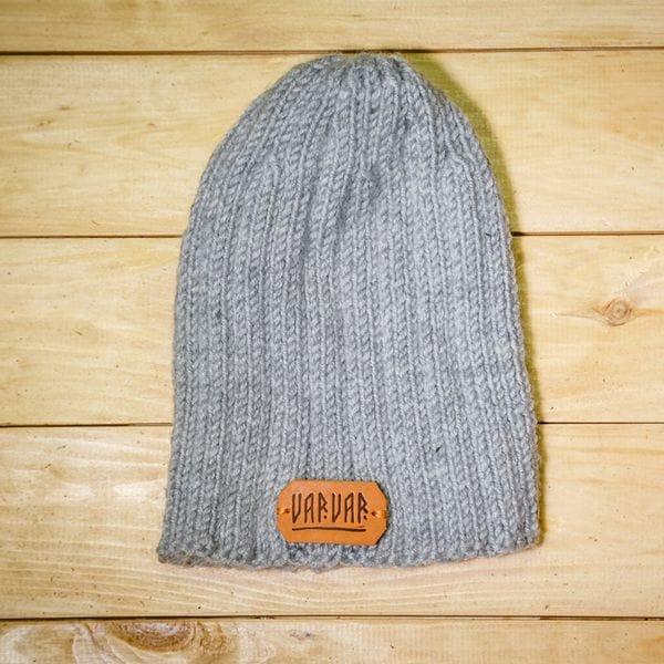 Мужская вязаная шапка Varvar светло серая, купить в интернет-магазине Brutalbeard