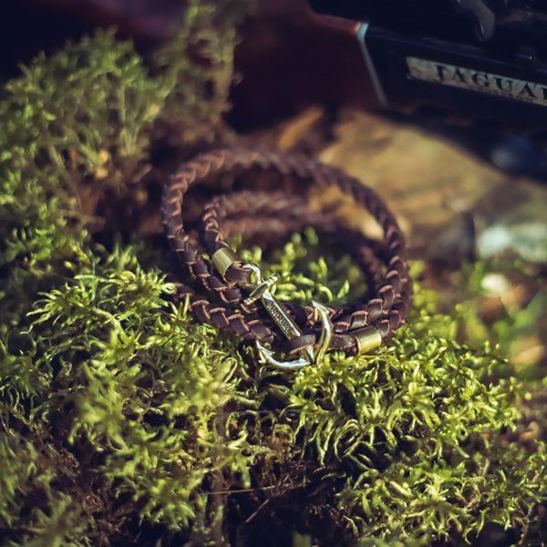 Тонкий коричневый браслет Varvar The great traveller wicker round(brown)