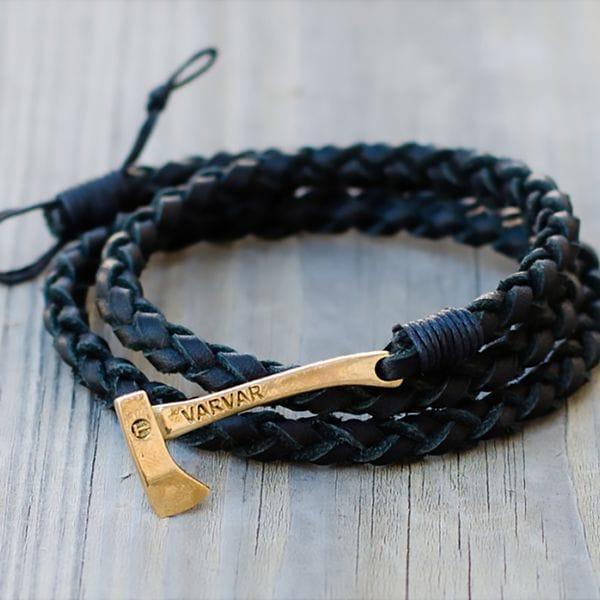 Черный плетеный браслет с топором из кожи Varvar Woodsman Round Black, фото 1