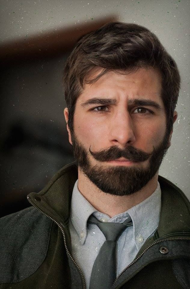 Короткая борода с усами